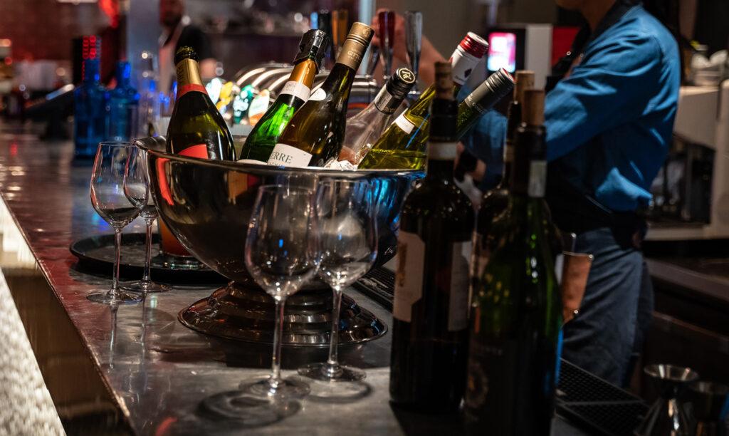 Vinflaskor madonna Majkens Sylta