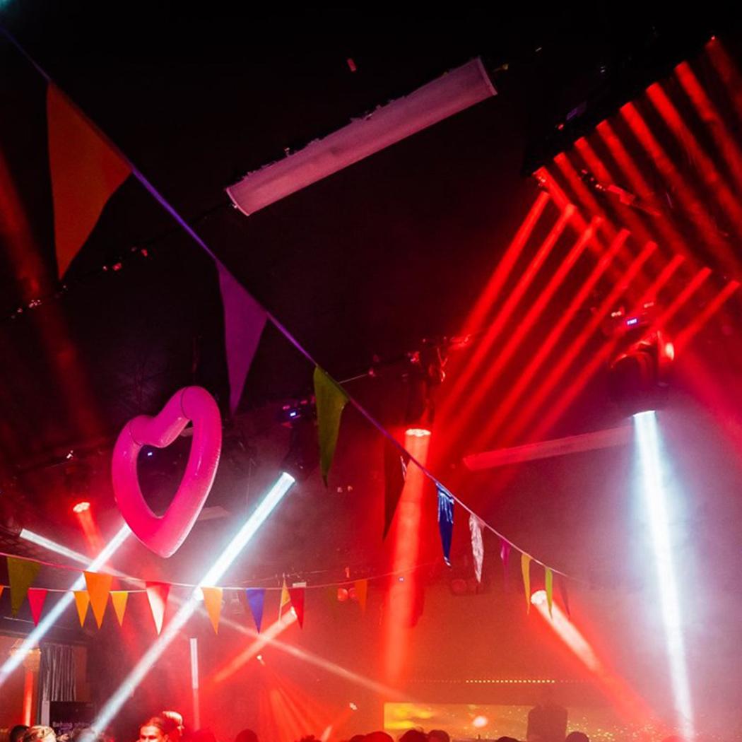 Dansgolv mer rött XS Night Club Sälen web